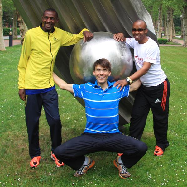 Joseph Kinbunja, Niels Bubel, Henry Wanyoike beim 5. Run of Spirit